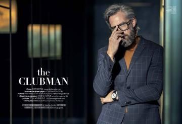 Suit: H&M Turtleneck Sweater: Laneus Watch: Montblanc Glasses: Stylist own