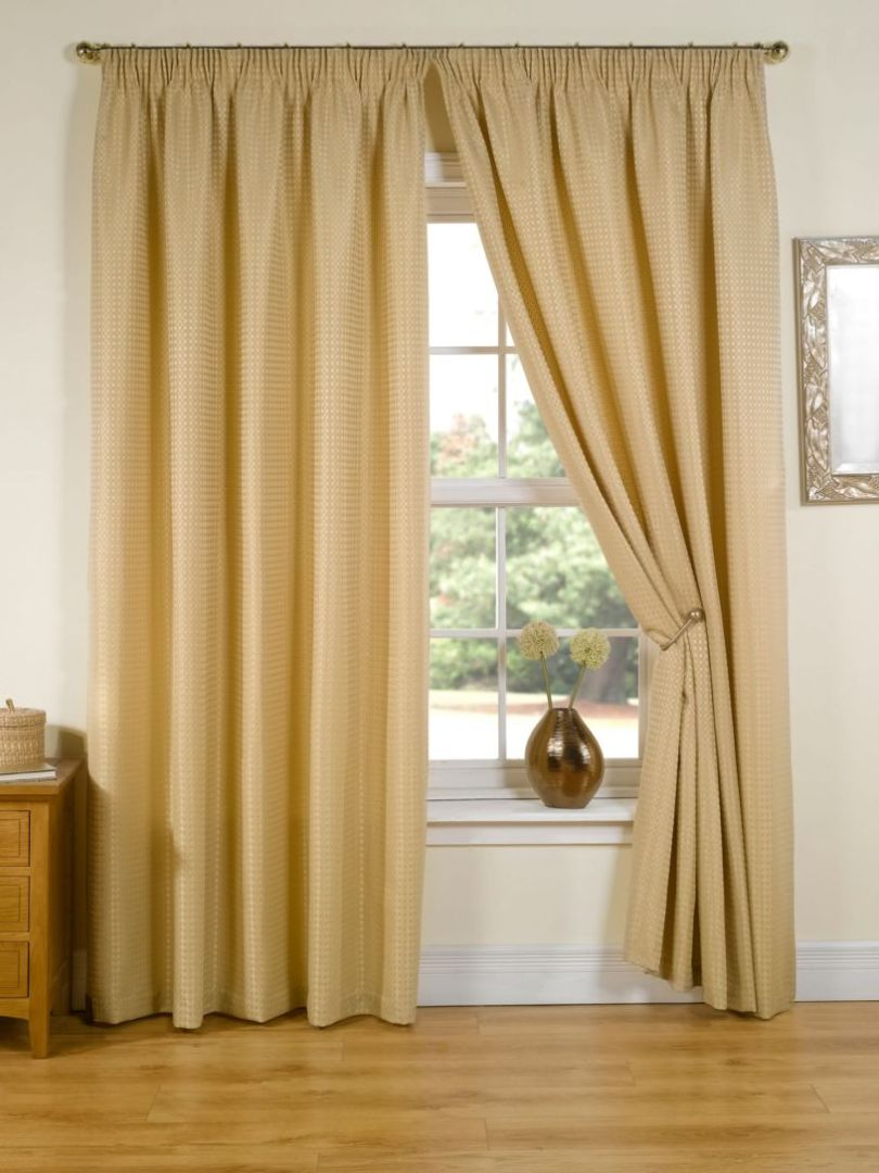 gold-curtains-1-4