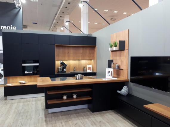 kuchynská linka čierno-hnedá kuchyne Frozen elektro nitra