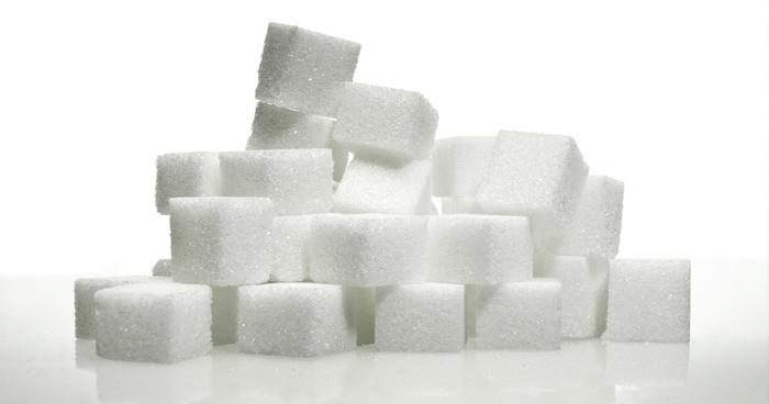 Vyvážená zdravá strava by nemala obsahovať jednoduché cukry.