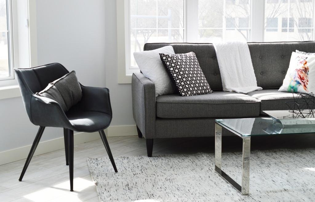 Ako ozvláštniť malú obývačku?