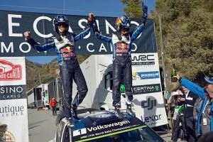 """Trzecia z rzędu wygrana Volkswagena w """"Monte"""": Ogier triumfuje, Mikkelsen na drugim miejscu"""