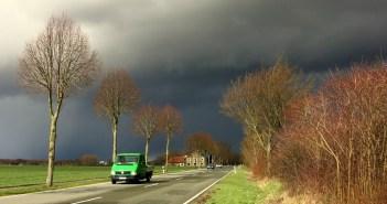 Zadajesz sobie pytanie, jak zachować się w czasie burzy?