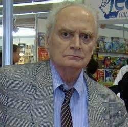 Радомир Смиљанић књижевник  добитник је изузетно високог интернационалног признања '' Пупинова медаља '' од чувене организације Селак