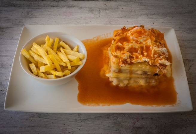 Francesinha sandwich. Foto thinkstock