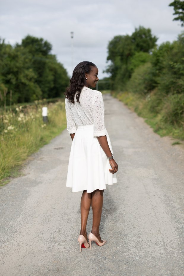 PETER_PAN_COLLAR_BLOUSE_AND_SKATER_SKIRT