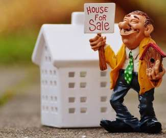 real-estate-agents-1180176_960_720.jpg