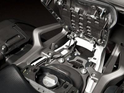 Rear seat cap gasoline 1