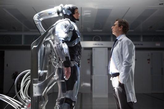 Operation geglückt, aber Patient möchte sterben. Der Doktor hat seine Seele schon verkauft und zieht die aber-Ihre-Frau-Karte. (Bild: Sony Pictures / Studiocanal)