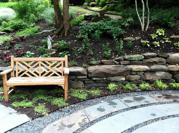 labirint-za-meditaciju-u-središtu-vrta-2