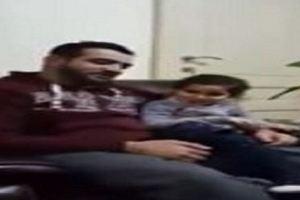 طفلة تصحح أخطاء والدها في قراءة القرآن (فيديو)