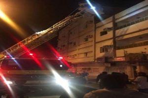 إصابة 7 أشخاص بينهم 4 نساء اثر حريق عمارة بالطائف