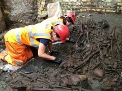 Excavation of Bedlam burial ground plague pit July 2015 (c) Crossrail