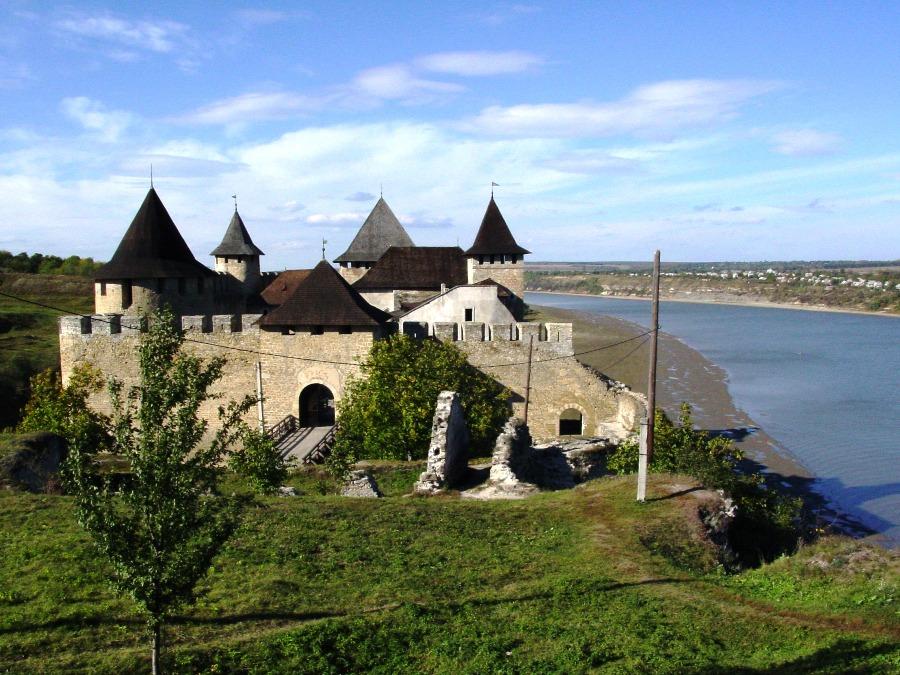 Cetatea Hotin - Cetățile Moldovei