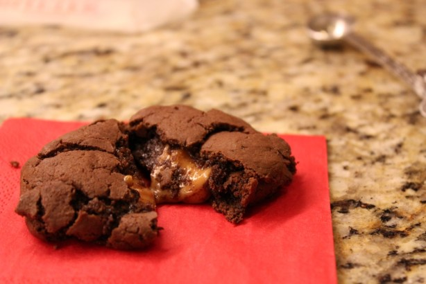 Chocolate Cookies Stuffed with Salted Caramel and Nutella