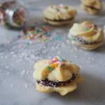 Sable cookies with chocolate ganache - Surprise Bake Along MOLLYJWILK