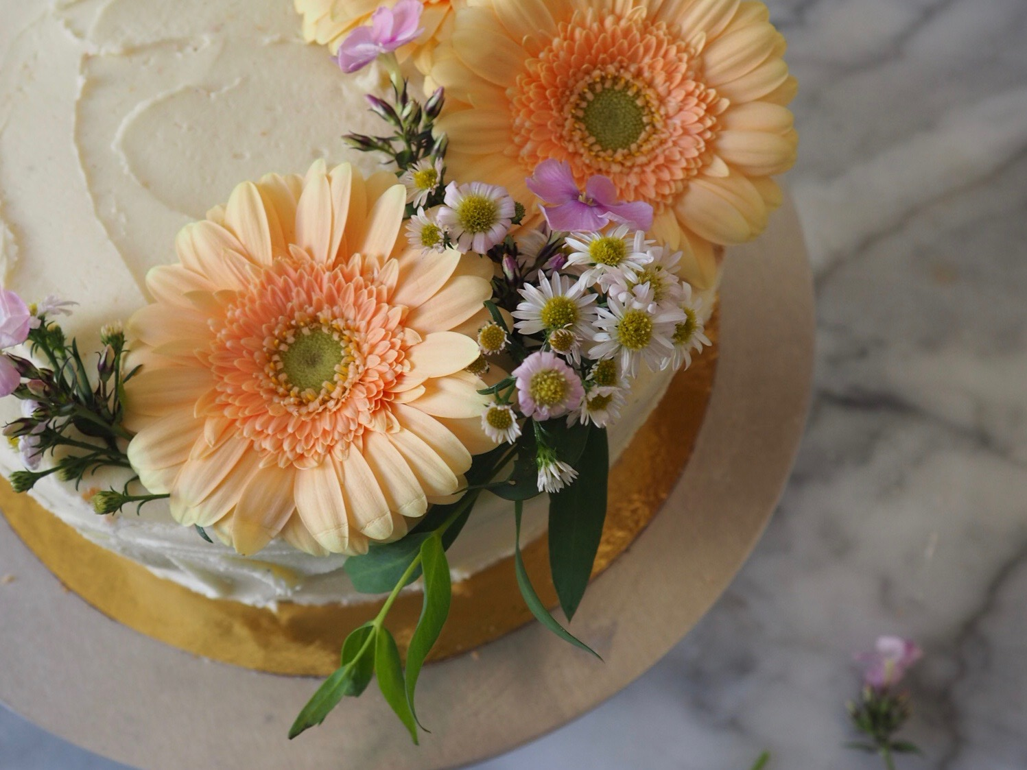 Holding on to Summer: A Nectarine Cake