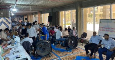 صورة شريف الشربينى: الإقبال الكبير على شراء المحال دليل على نجاح التنمية