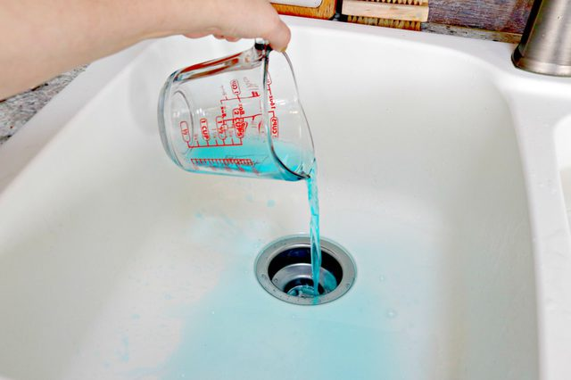 3 ways to use mouthwash to clean your
