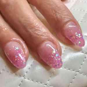 Glitters van Urban Nails omdat nagels mogen shinen!
