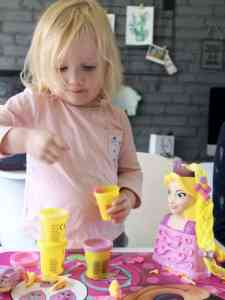 Rapunzels Kapsalon van Play-Doh review