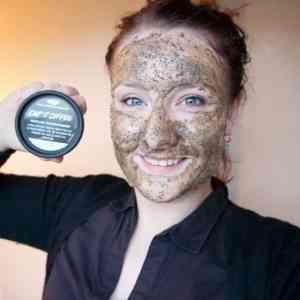 Cup O'Coffee Gezichts-en Bodymasker van Lush