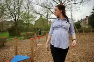 Stijlvol zwanger in de positiekleding van GeBe Maternity momambition.nl