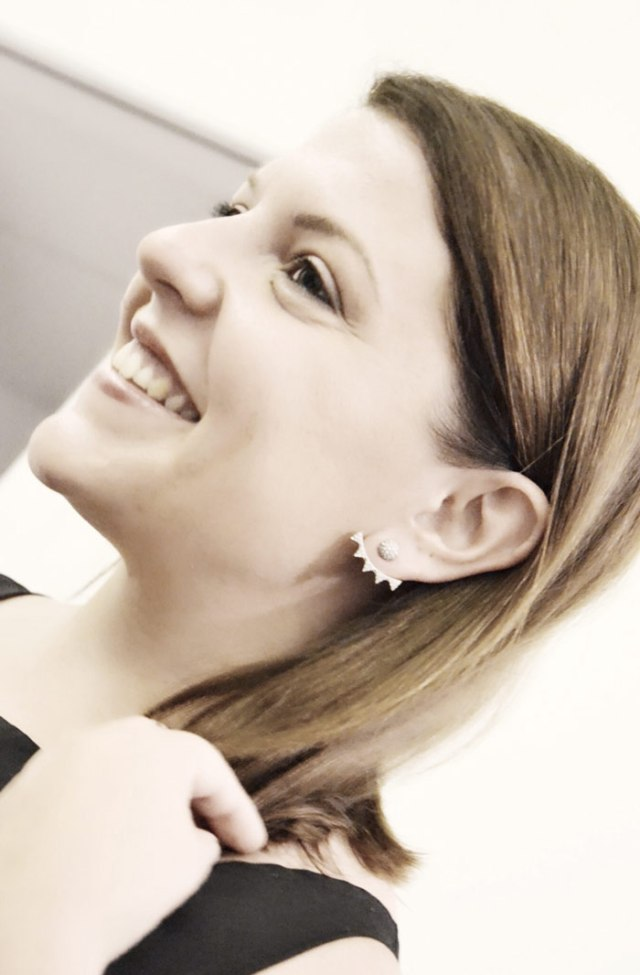 look-elegante-fossil-earring-program