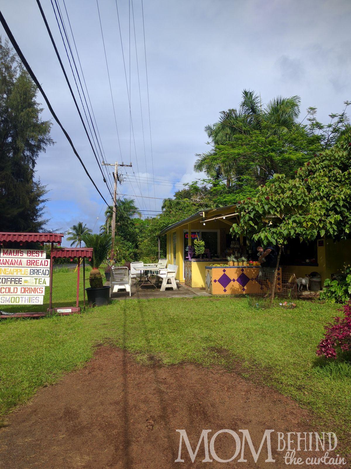 Road to Hana - fruit stand