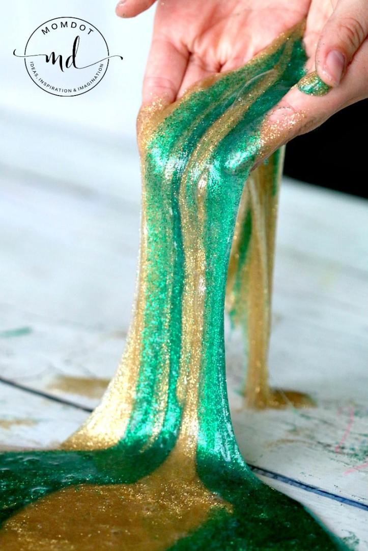 Pot-O-Gold : St. Patricks Day Slime Recipe for gorgeous glittery slime that sheets in sparkles