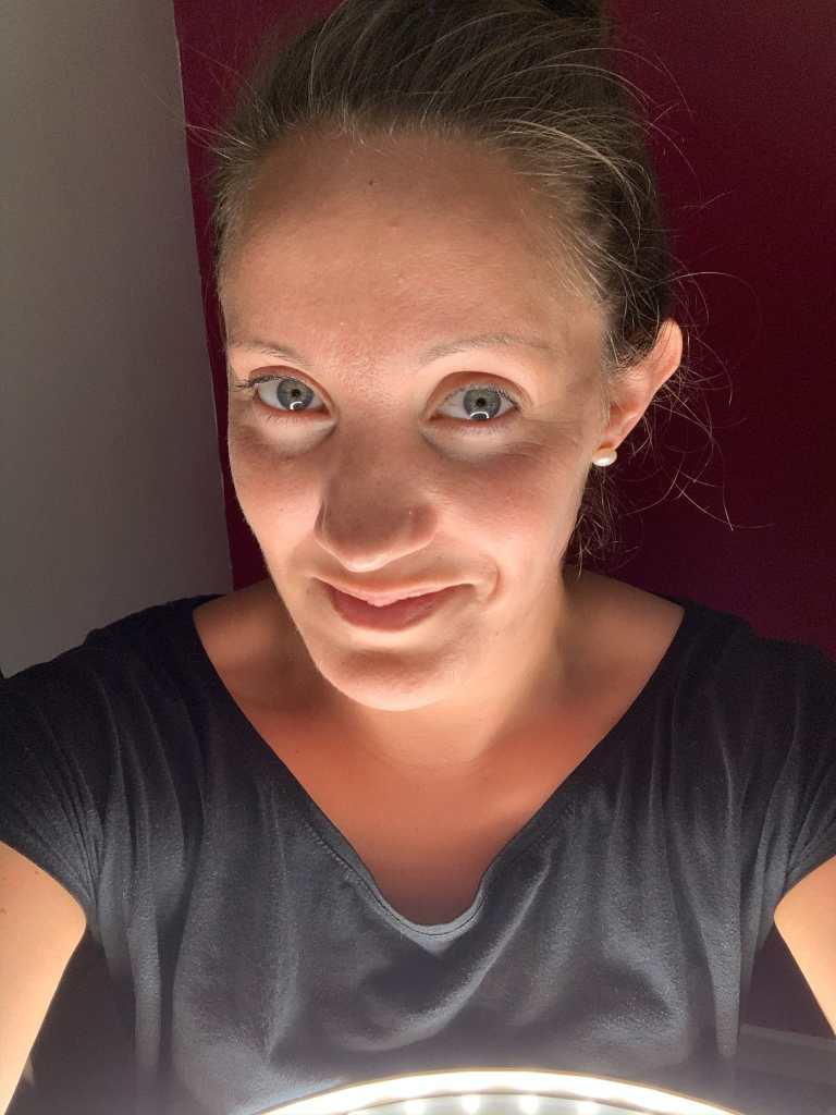 Moments by Katie Mitchell - Taking The Perfect Selfie