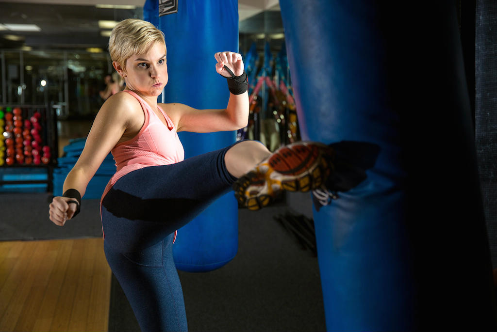 Kick Your Fitness Up A Notch With These Kickboxing Moves By Dpeverybodyfit Momeo Magazine For