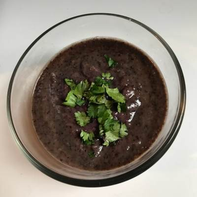 How to Make an Easy Vegan Black Bean Dip