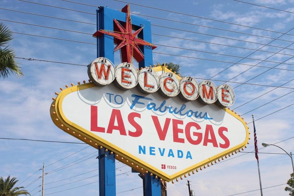 8 Ways to Save Money on Your Vegas Trip!