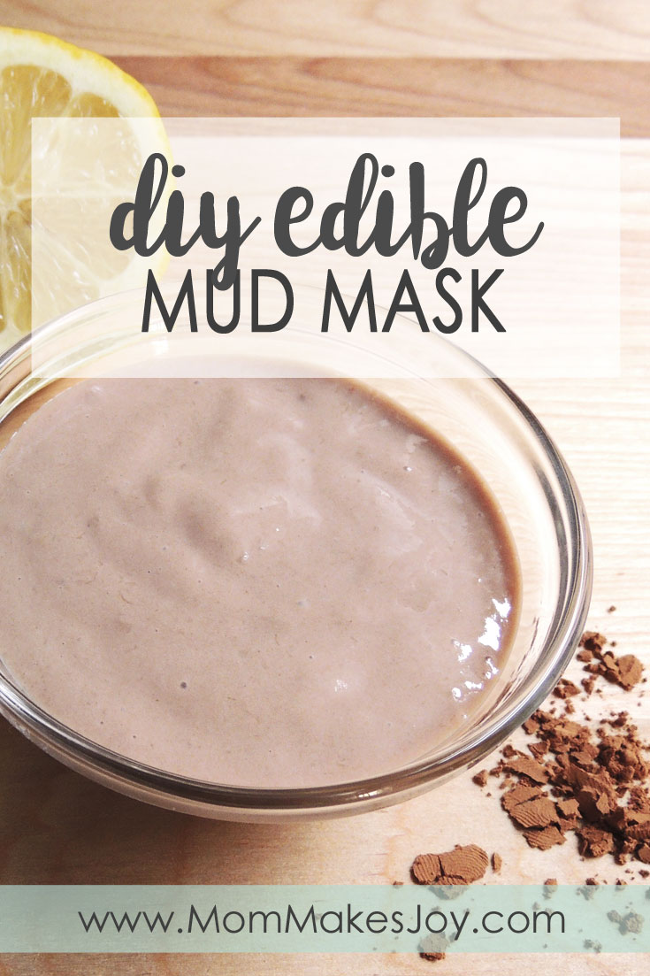 A DIY edible mud mask recipe that works! Made from greek yogurt, cocoa powder, milk, honey, and banana--all ingredients you can find in your kitchen! | DIY Bath and Body | Homemade spa day | Face mask | Mom Makes Joy