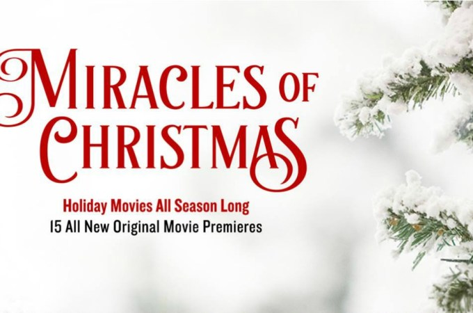 "Hallmark Movies & Mysteries ""Last Vermont Christmas"" Premiering this Monday, Nov 19th at 9pm/8c! #MiraclesofChristmas"