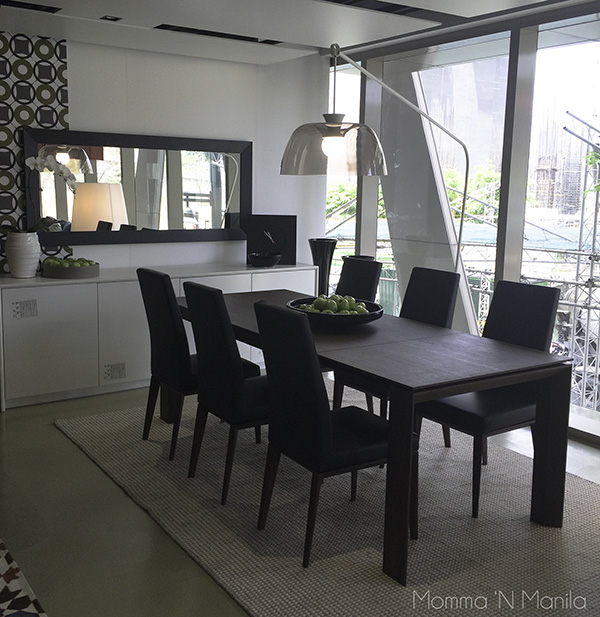 I also liked the way that some of the dining tables could easily expand from a 4 or 6 seater to a 10 seater.