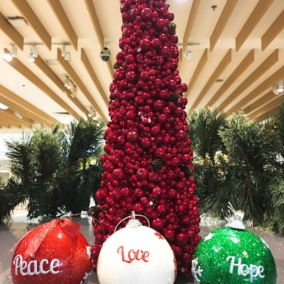 Christmas Decorating with SM Home