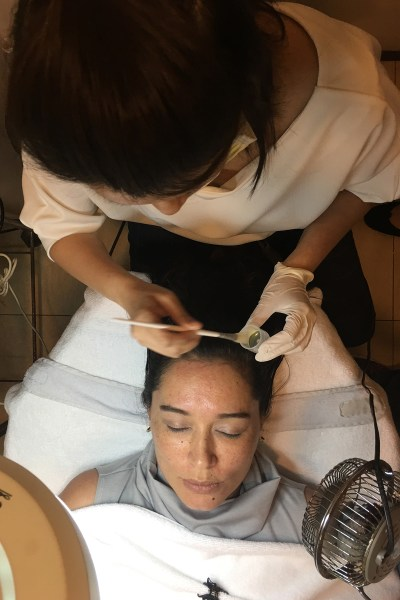 What to expect from a Glycolic Facial & Diamond Peel from Aesthetic Science Clinic