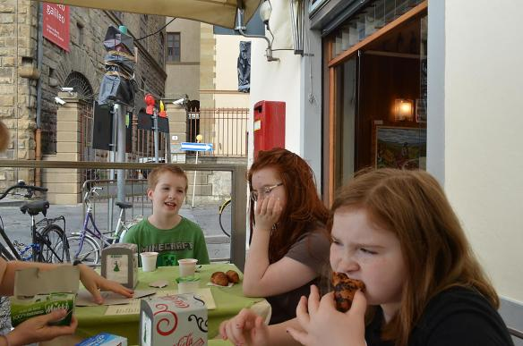 Breakfast before the Museo Galileo.