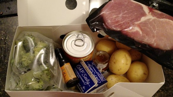 An open HelloFresh box