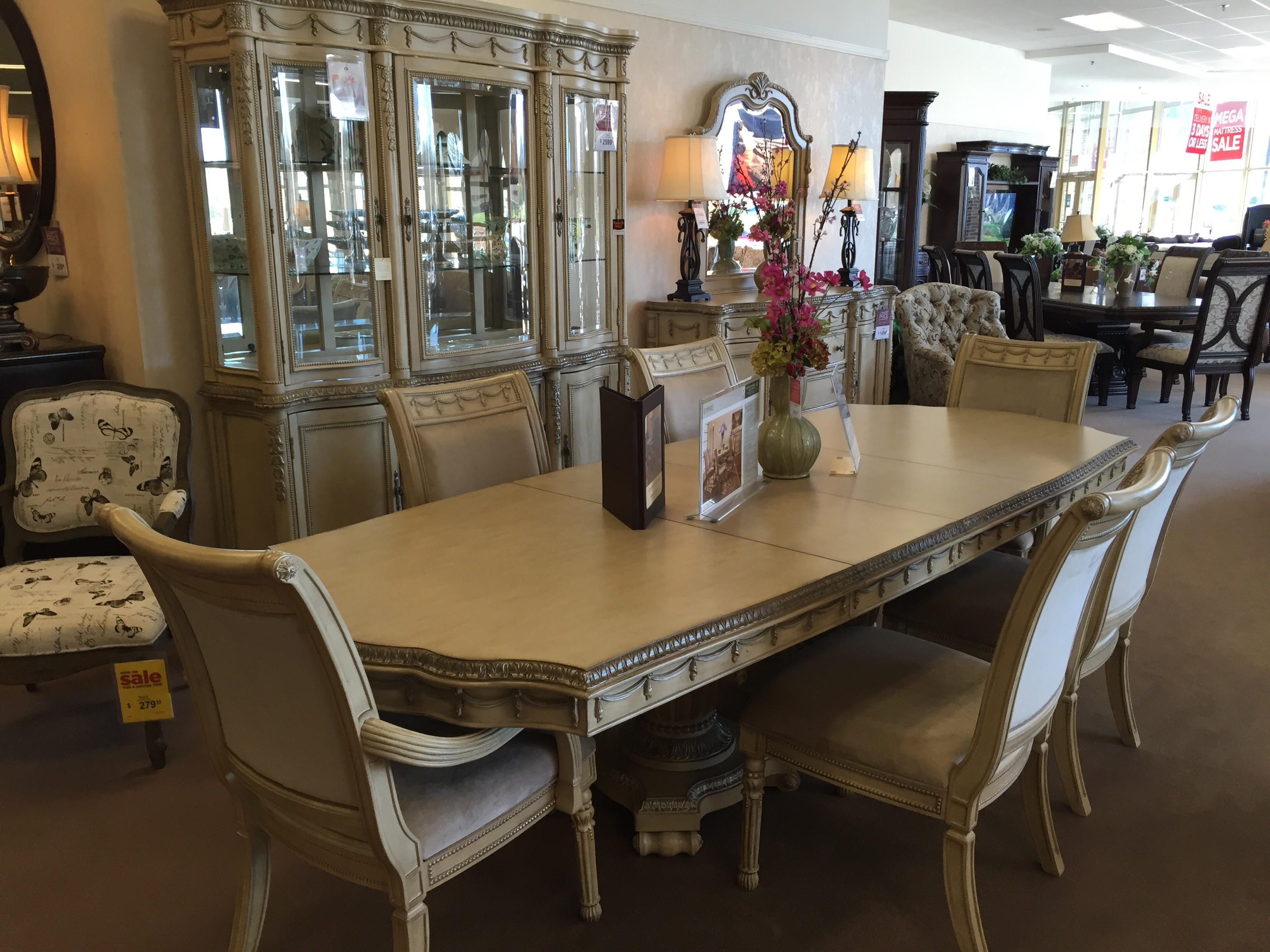 Shopping For My New Dining Room At Raymour Amp Flanigan