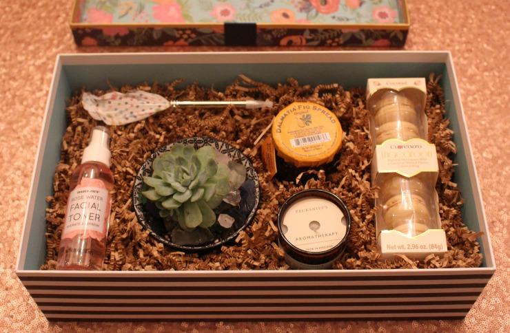 DIY Gift Box #1 www.mommininapinch.com
