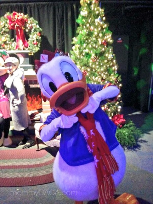 Donald Duck, Christmas Time at Disneyland