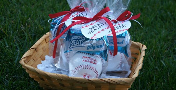 DIY Little League baseball favors for kids