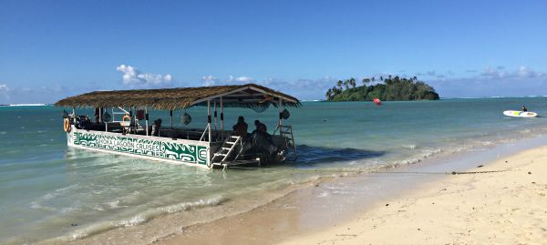 Koka Lagoon Cruises, board the boat on the Muri shore