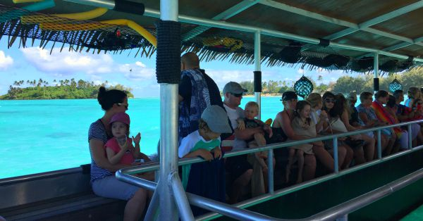Koka Lagoon Cruises is a great excursion in Rarotonga for families and people of all ages