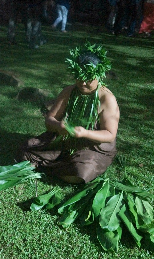 Tribe Woman weaving at Highland Paradise, Rarotonga Cultural Show