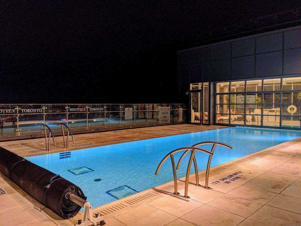 hotel x pool
