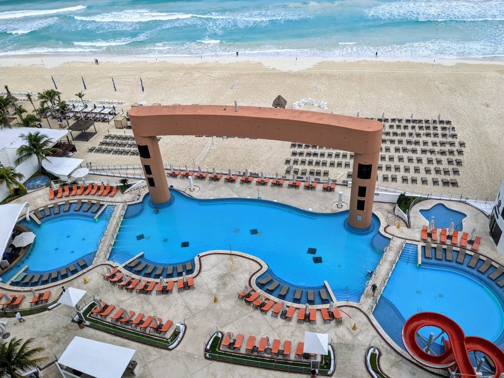 Beach-Palace-Cancun-review